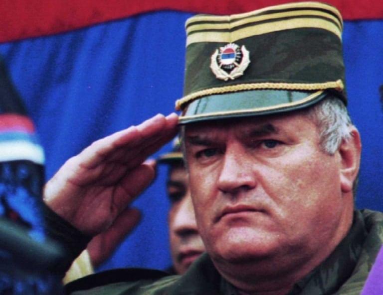 Zločinac Mladić Će, po Nalogu Sudskog Vijeća, Svjedočiti na Sudjenju Zločincu Karadžiću